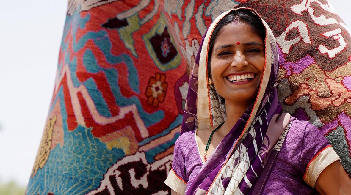 Jaipur Rugs' weaver-designer Manju Devi wins Gold Award for 'Aas Paas'