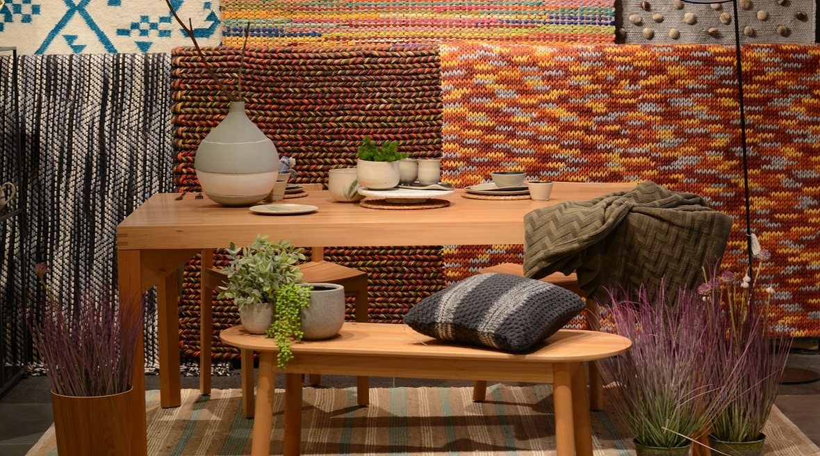 Decor enthusiasts huddle for a table-styling masterclass hosted at Script by Godrej & Boyce, Mumbai