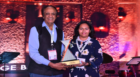 Mitali Bajaj of Dr.Art+Design gets Index Award for Excellence in Hospitality Design from renowned architect Prem Nath