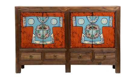 Enrich the decor of a home with The Great Eastern Home Console
