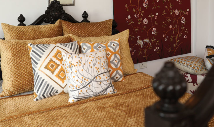 Newly-launched furnsihing brand DaOne blends  traditional designs, arts and techniques with classic Western designs.