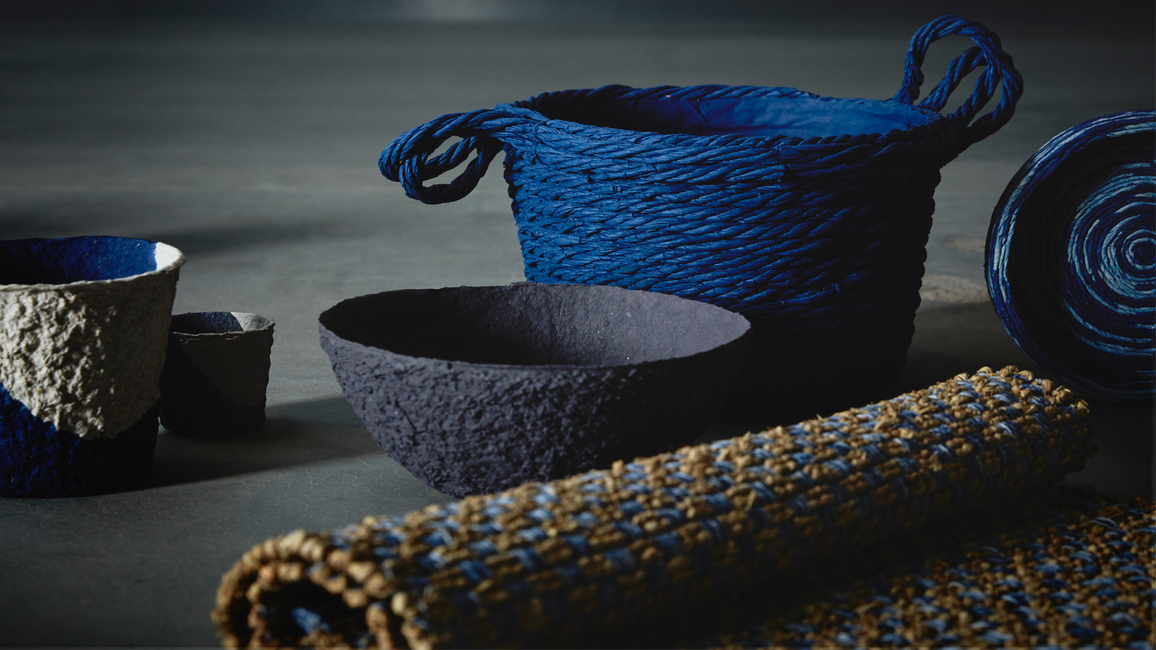 Förändring is a collection in the shades of black and blue, with textiles made of burnt rice straw