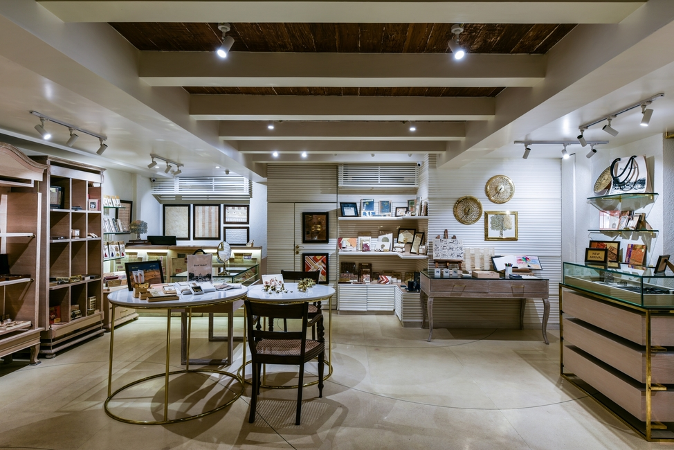 Mumbai, Anand Prakash, Store design, Modern store, Muted colour scheme, Interior décor, Minnie Bhatt Design