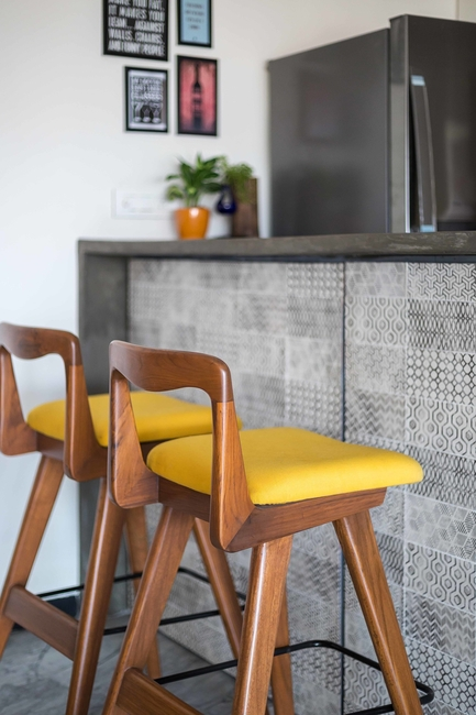 Hipcouch, Design tips and tricks, Home bar unit, Bar cabinet, Art Deco style, Vintage designs, Hidden bar units, Space saving solutions, Wine display, Bar shelves