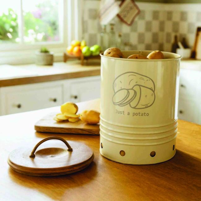 Ellementry, Kitchen storage, Kitchen design, Kitchen organisation, Kitchen makeover, Kitchen storage bins, Kitchen shelves