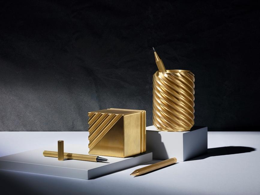 121 by Bert Frank, Luxury desk accessories, Writing instruments, Modern desk space